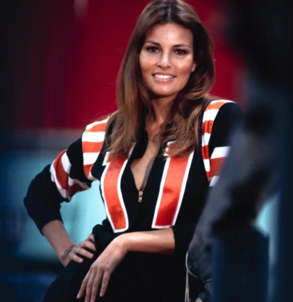 Raquel Welch Just Turned 77 And She S Still At Her Best
